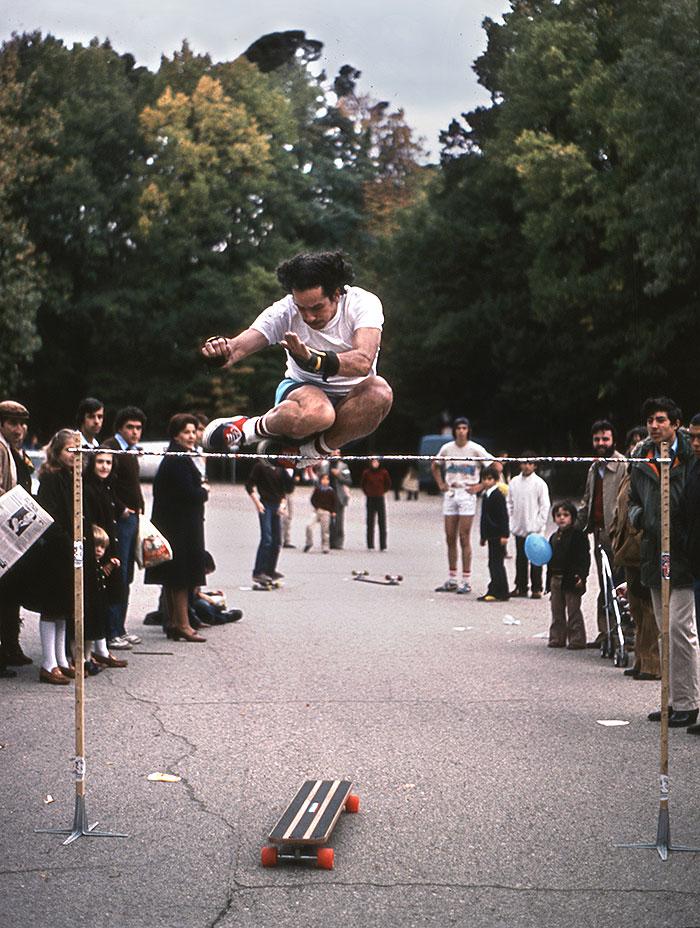 José Antonio en el campeonato del Retiro (1979) saltando 1,55 m.