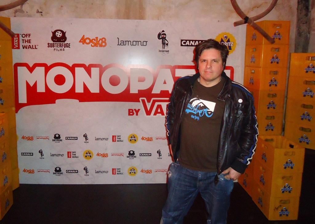 Carlos Joaniquet en el estreno de Monopatin